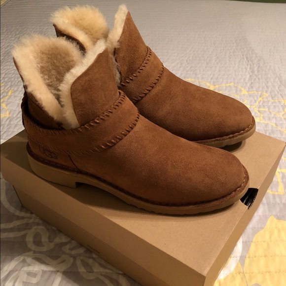 3f3dfb3e75b UGG McKay Water-Resistant Bootie NWT